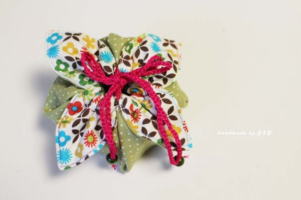 DIY Easiest Fabric Gift Pouch Sew Pattern & Tutorial