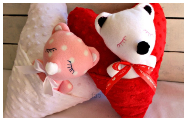 DIY Fabric Valentine Teddy Bear Heart Pocket Pillow Free Sewing Patterns